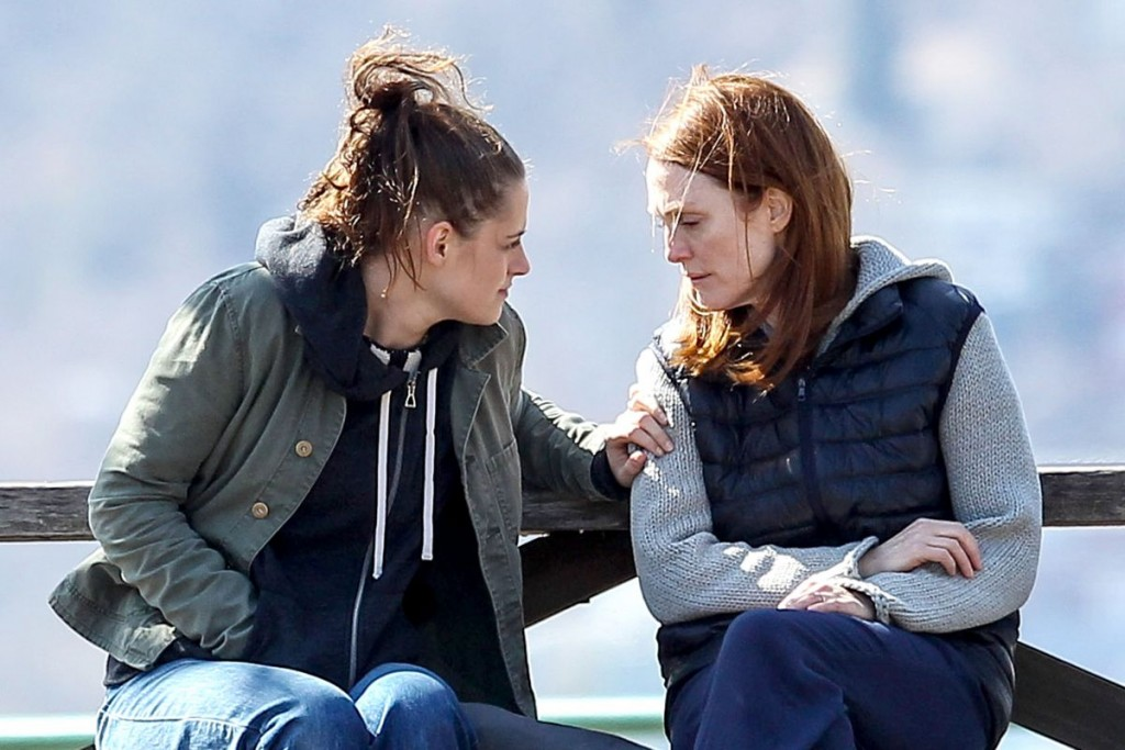 Movie Guide Me_kristen-stewart-and-julianne-moore-on-the-set-of-still-alice_3